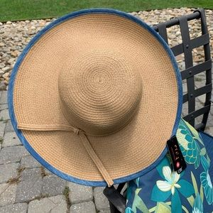 🎁 🆕 NWT 🎉HP🎉 Beautiful sun ☀️ hat